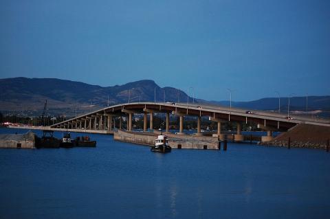 1200px-William_R._Bennett_Bridge